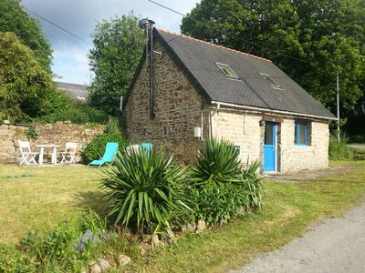 Photo for Charming renovated cottage located in the countryside in Central Brittany