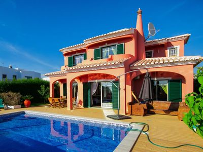 Photo for 4 bedroom Villa, sleeps 10 with Pool and Air Con