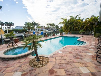 WATERFRONT POOL & SPA WITH BOAT DOCK!! BOOK YOUR 2020 STAY TODAY! DON'T MISS OUT ON THIS ONE!!!