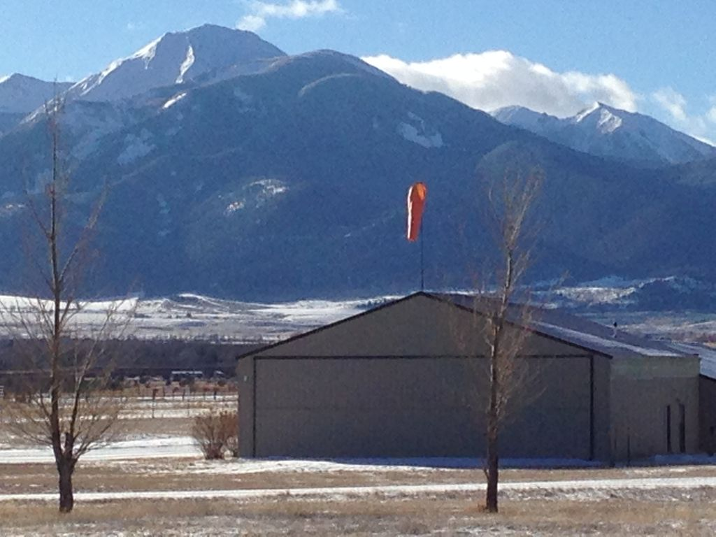 Near National Park and Yellowstone River  Full Kitchen, dog friendly