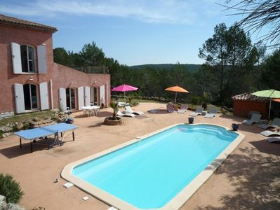 Photo for Comfortable Provencal villa, swimming pool, in a quiet place a few cables from the sea