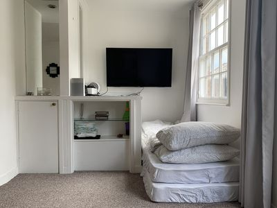 Photo for Cozy Mews House with Parking