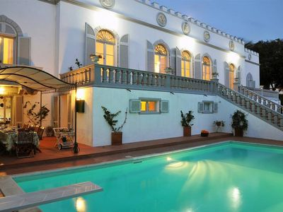 Photo for The 1800 beachfront Villa with private pool, terrace with sea view, beach nearby