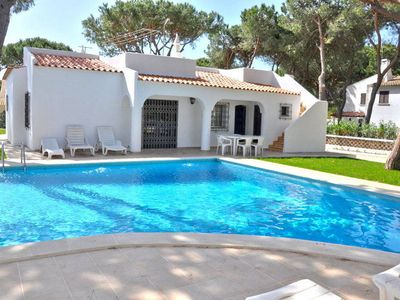Photo for Lovely and cozy Golf Villa close to the Vilamoura Marina and all amenites.