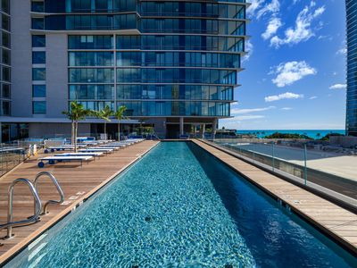 Photo for 2 bed/2 bath/2 free parking Best ocean view luxury condo unit