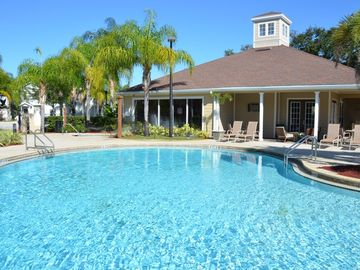 PRIVATE, FAMILY FRIENDLY RESORT, MINUTES FROM DISNEY & OTHER MAJOR ATTRACTIONS