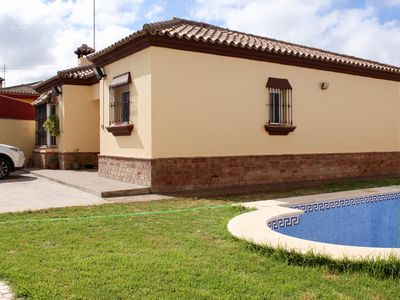 Photo for Great chalet with private summer pool