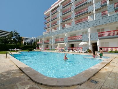 Photo for T2 - Vilamoura / Near Marina Vilamoura - Pool and Free Wifi