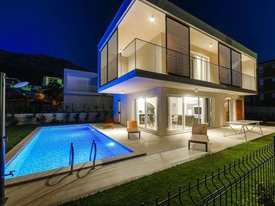 Photo for Luxury Villa with private heated pool