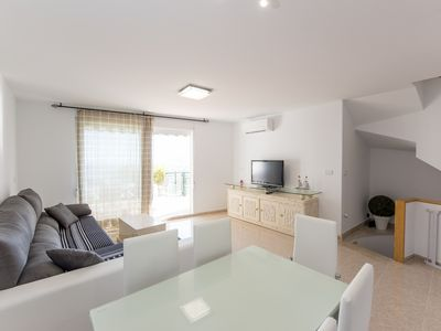Photo for Holiday house with garage & direct access to the pool- Peñiscola