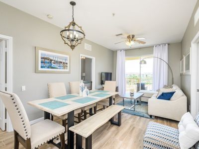 Photo for Luxury on a budget - Vista Cay Resort - Welcome To Relaxing 3 Beds 2 Baths Condo - 7 Miles To Disney