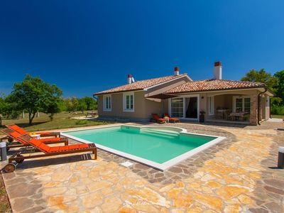 Photo for Beautiful villa on a quiet location near Pula