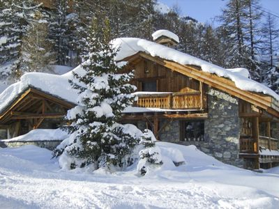 Photo for 7 bedroom Chalet, sleeps 12 with FREE WiFi