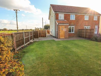 Photo for 27 Whitegates, LUDHAM