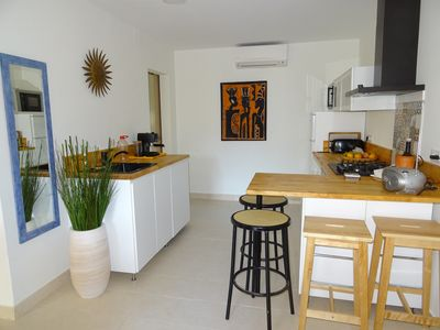 Photo for Garden level, quiet, air-conditioned, 400ms Riells beach, private parking and shops