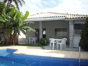 - Swimming pool, Gourmet Area w / BBQ and wood stove, Monitored 24h