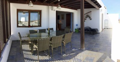 Covered terrace - perfect alfresco dining