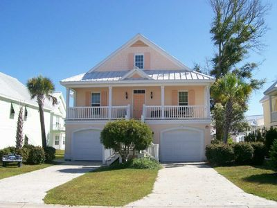 Photo for 109 Georges Bay Road (Upstairs) located in Bermuda Bay