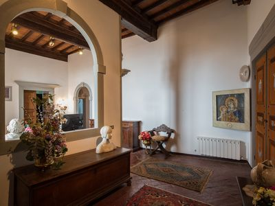 Photo for 3BR luxury apt, walk to downtown Cortona, and amazing view over the town hall