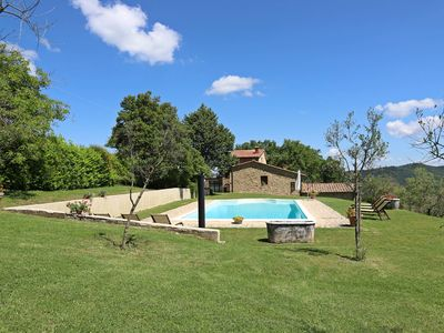 Photo for Cozy Tuscany farmhouse private pool up to 12 pax