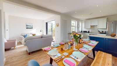 Beautifully refurbished holiday home in the centre of Abersoch with parking.