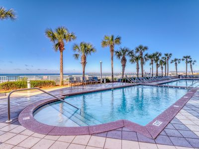 Photo for Tropical, waterfront condo w/ shared pool & beach access plus a private balcony