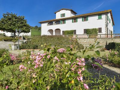 Photo for Villa Il Gelsomino 14 - Beautiful villa in the Tuscan countryside