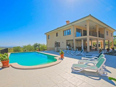 Photo for Air conditioning, 5 bathrooms, 25000 sqm plot, 5 bedrooms, guest toilet, W-LAN
