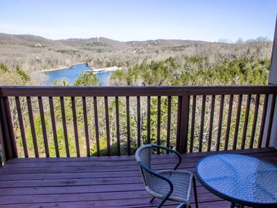 Photo for Condo with Pool | Hot Tub | Free WiFi |Top Floor | 2.2 miles from Silver Dollar City (061605A)