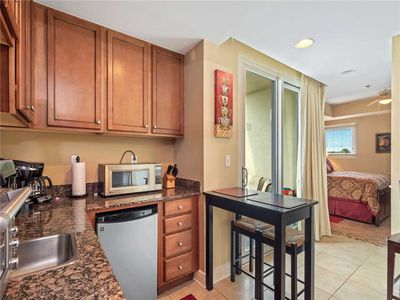 Photo for Sterling Breeze 407A, 2 Bedroom, Sleeps 6, Wi-Fi, Pool, Beachfront