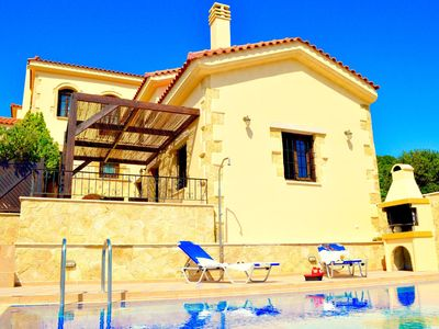 Photo for Sweet, romantic villa with 1 bedroom and private swimming pool in pretty village