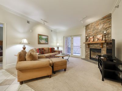 Photo for Charming downtown condo w/ jetted tub, balcony & shared hot tub/pool!