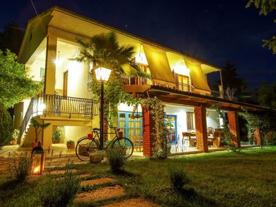 Photo for Cosy apartment for 8 people with WIFI, A/C, private pool, TV, balcony, pets allowed and parking