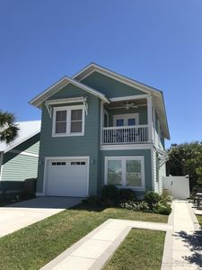 Lovely private coastal style carriage house-300' to the beach!