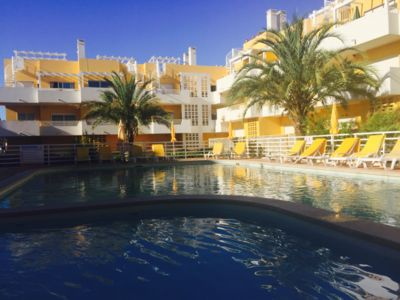 Photo for 2 Bedroom apartment with direct access to pool