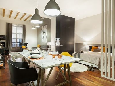 Photo for Homes in Blue - One bedroom apartment for 1 month in a diaphanous space just next to the Cathedral of Barcelona.