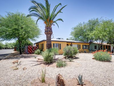 """Feel like a Local Tucsonan at """"The Bungalow"""" - In Classic Midtown Tucson -"""