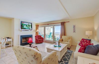Fantastic Living Area with Ocean Views!