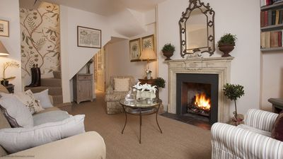 Photo for Bijou 3 story townhouse, sleeps 4, centre of Tetbury
