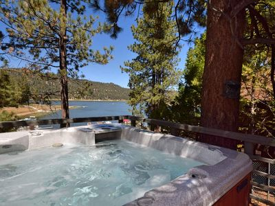 Cozy Lakefront: Gas Fireplace! Boat Dock!Outdoor Hot Tub! Scenic Views! BBQ!