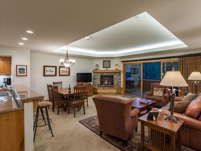 Spacious Living Area, Pool/HT/Gym, 200yds To Ski Area - Discount Lift Tix Avail