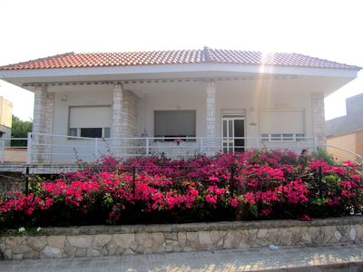 Photo for Splendid villa on the sea with a large comfortable and quiet pool suitable for groups
