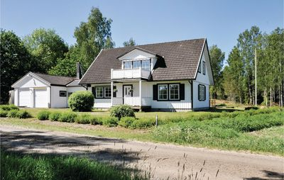 Photo for 5 bedroom accommodation in Säffle