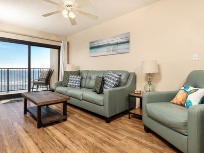 Photo for Upscale condo with direct gulf-front views! In-unit washer/dryer! On-site picnic area + grills!