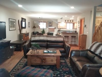 Photo for 3 BD / 2.5 BA Townhome, Sleeps 10, Pet-friendly, Hot Tub, Close to Ski & Town