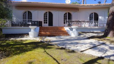 Photo for Large family villa in Pyla - Moulleau