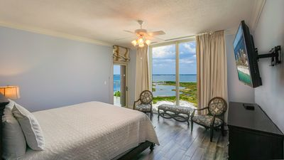 Photo for P2-1101 Gorgeous 3BR Skyhome with Great Island View