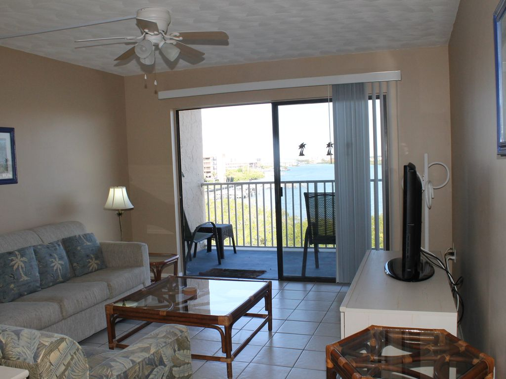 Beautiful Intracoastal View and Steps from the Beach BSY&TC 507