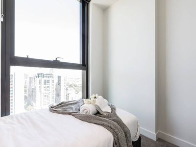 Photo for 2 BR Modern Apartment Melbourne CBD!