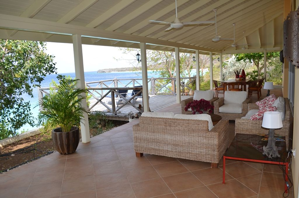 Amazing ocean front vacation rental with spectacular view for Amazing holiday rentals